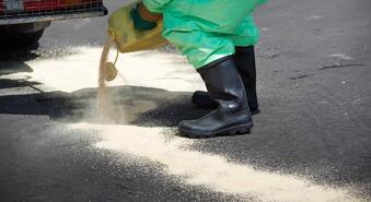 STOREMASTA Blog - What do you need in a flammable liquids spill kit