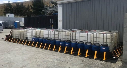 Chatoyer XR5 Portable Containment Bund with IBCs 2