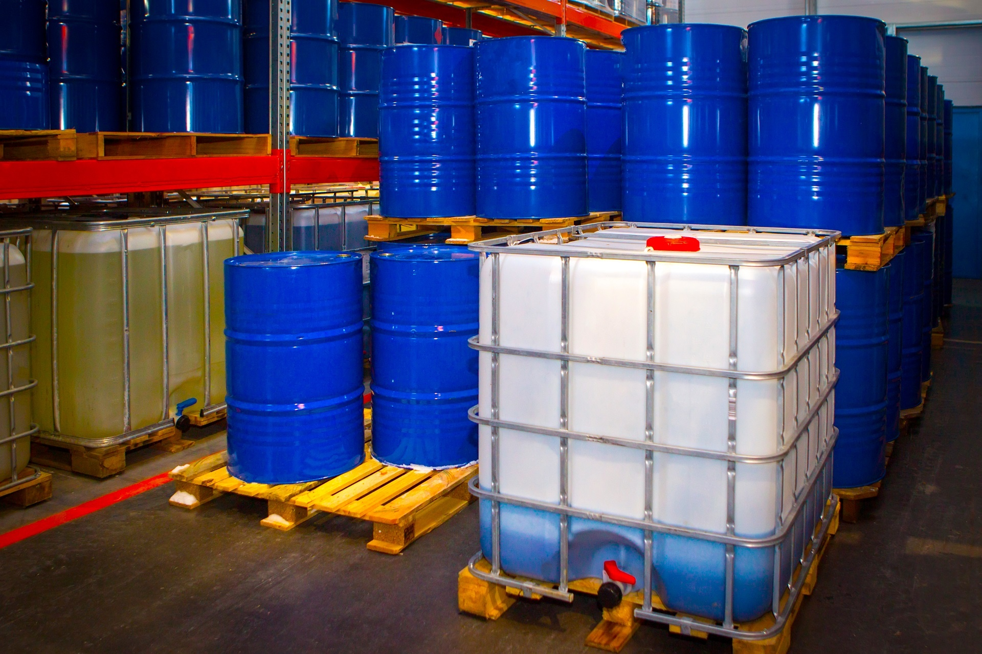 Storage of flammable solvents in the workplace