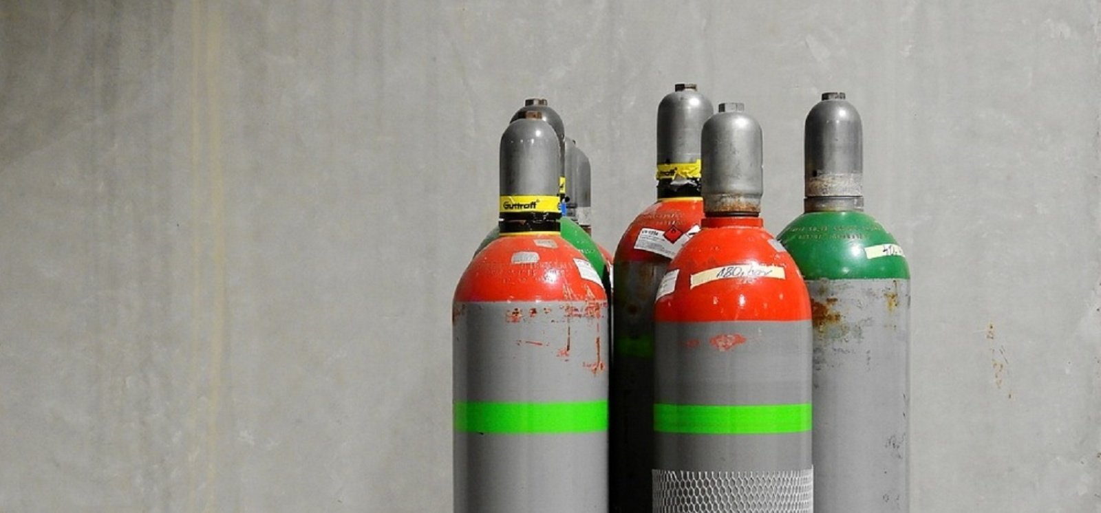5 Hazards of Transporting Gas Bottles