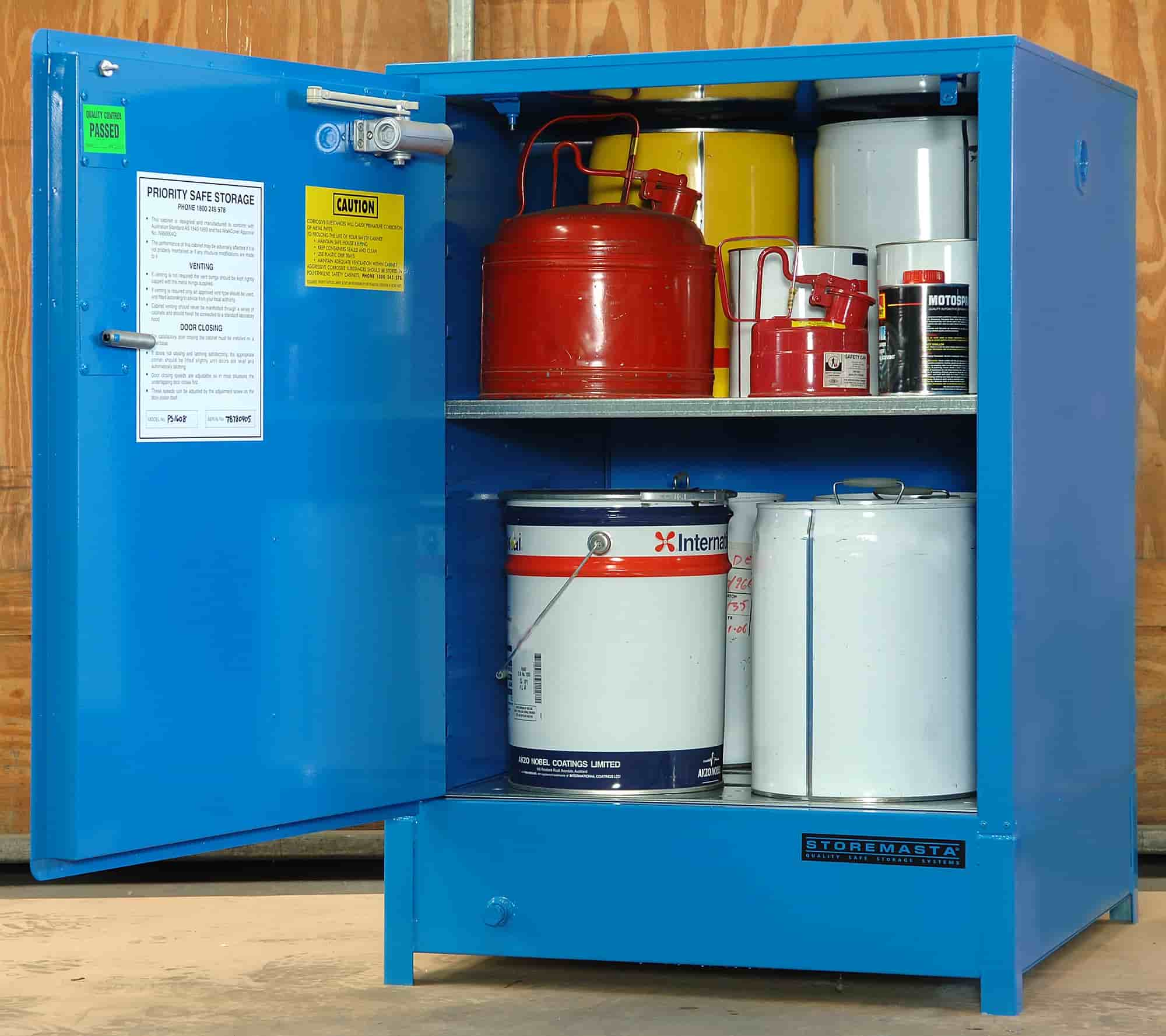 How to source a chemical storage cabinet….it's more than a trip to Bunnings