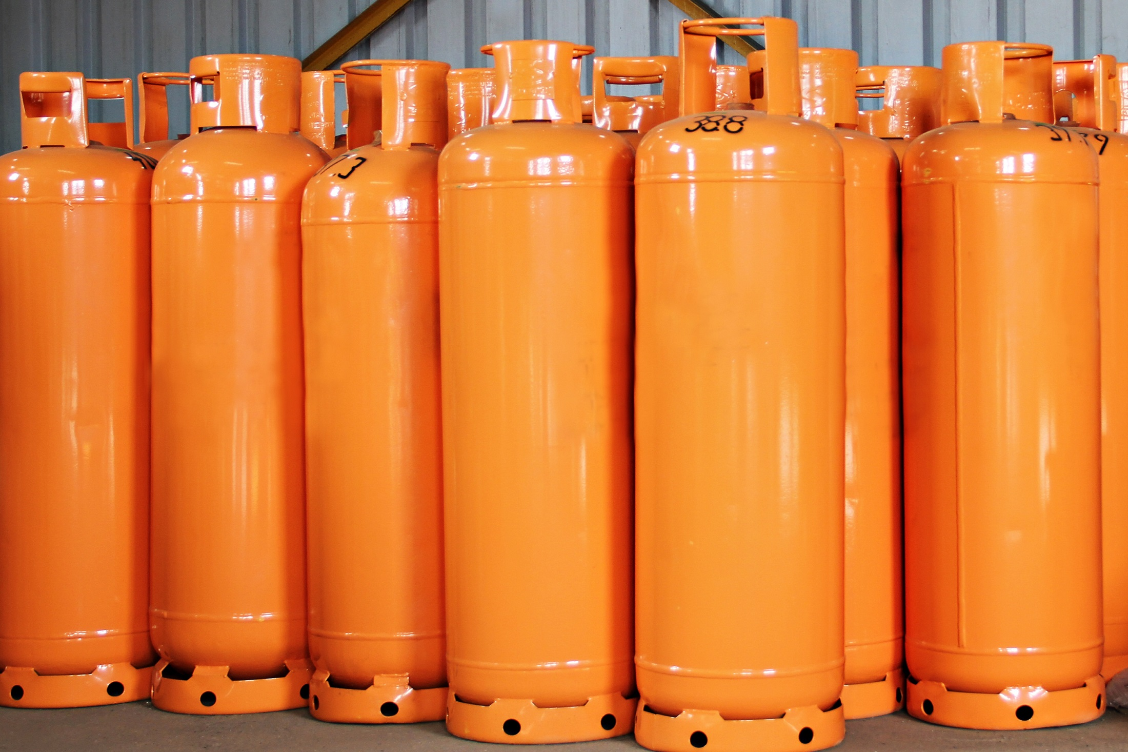 Risks associated with the different classes of dangerous gases
