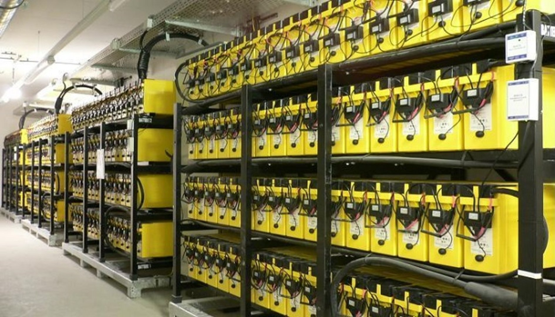 What Are The Spill Containment Requirements For Batteries?